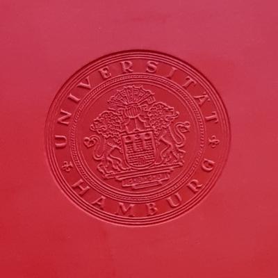 Ausschnitt Siegel Promo Urkunde UHH